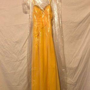Faviana ladies Ribbon Trail Prom Dress